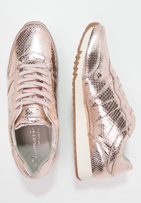 b159fa87384c25 Diese Sneaker sind Trend pur. Tamaris Sneaker low - copper für 29