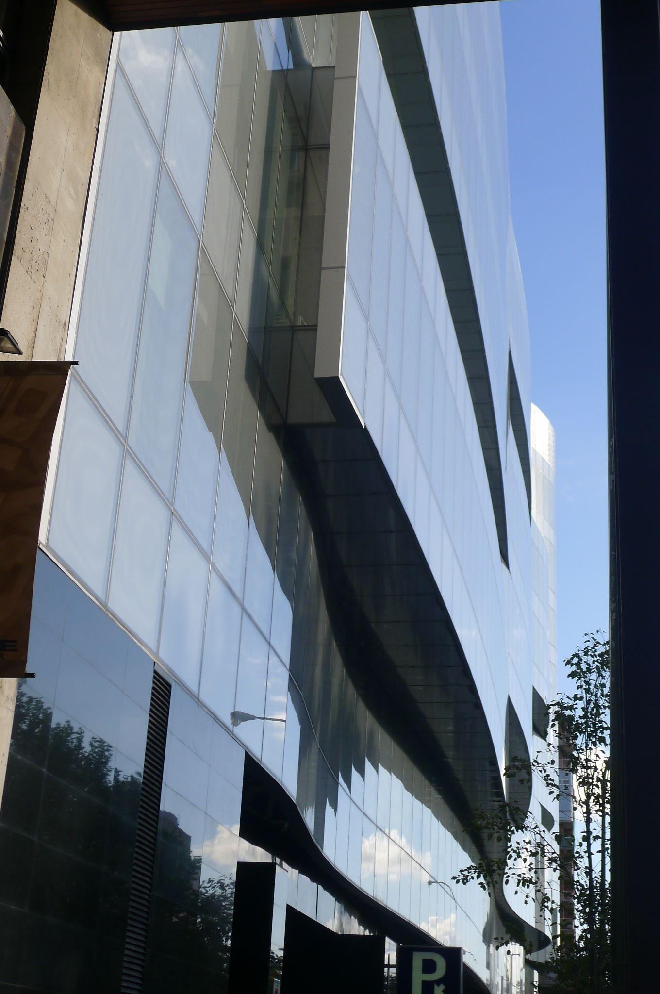 Pin En Edificio De Oficinas Castellana 200 Madrid