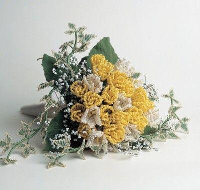 magnifique bouquet de fleurs en perles de rocaille. Black Bedroom Furniture Sets. Home Design Ideas