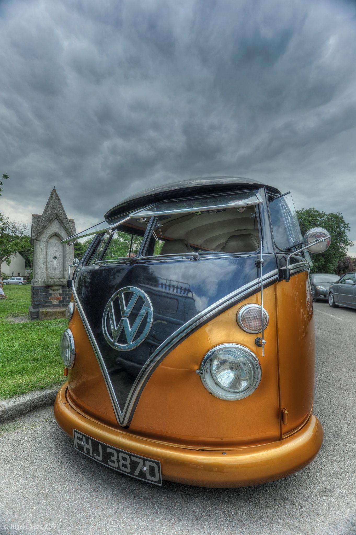 VW Camper by Nigel Lomas
