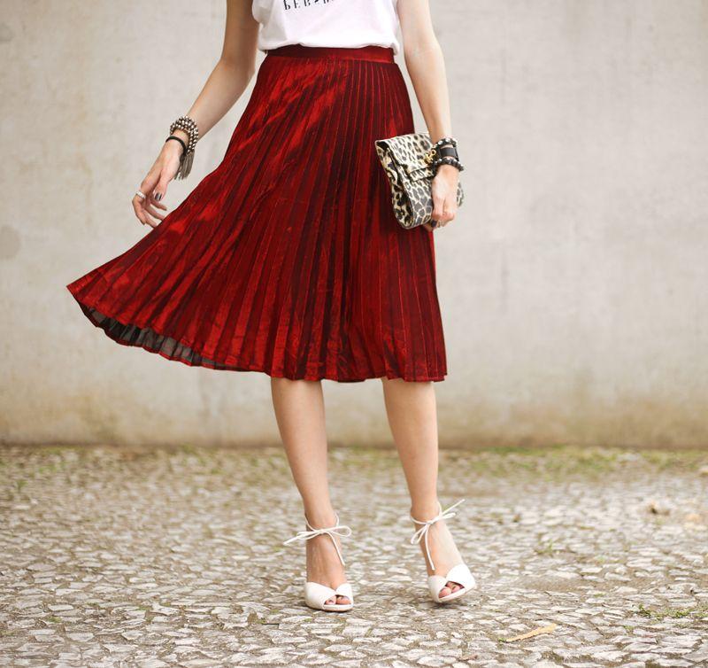 metallic pleated skirt <3