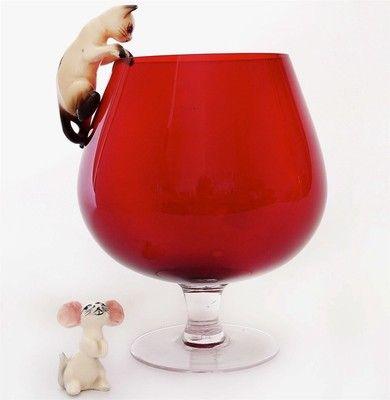 247c6ad6e38 Vtg 1960s Large RED Brandy Glass Bowl Vase   Siamese Cat Mouse Ornament  Retro