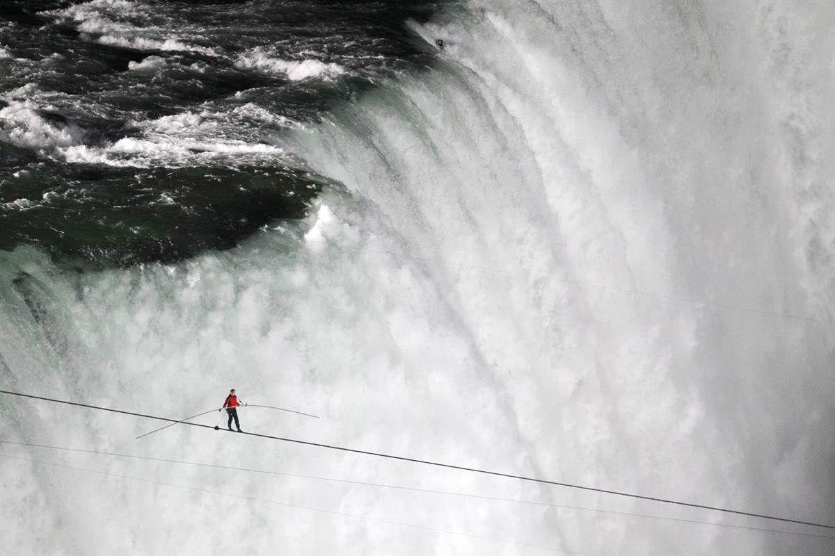 Fall line Tightrope walker Nik Wallenda walks a high wire from the ...