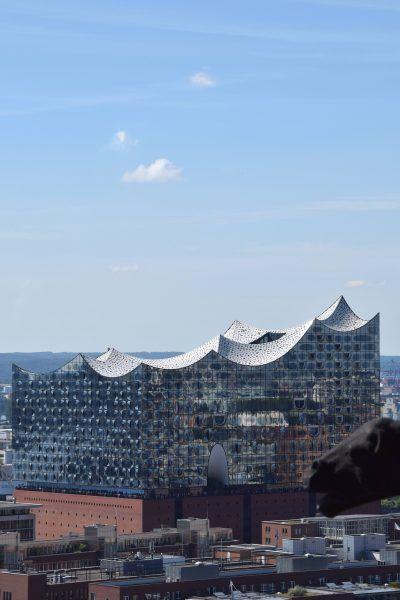 Hamburg Blick Auf Die Elbphilharmonie Von Der Aussichtsplattform Des Mahnmals St Nikolai C Esther Vaci Thamlitz Aussichtsplattform Hamburg Aussicht