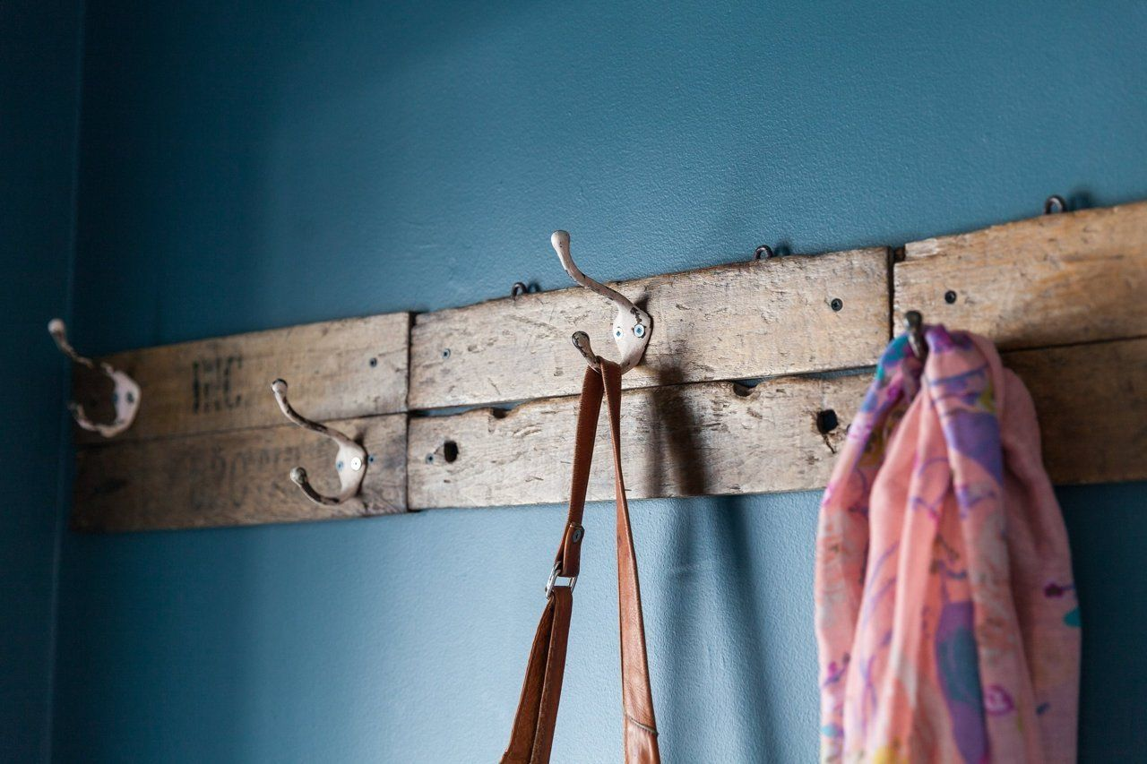 Holly Ryan S Modern Vintage Mix With Images Diy Coat Rack