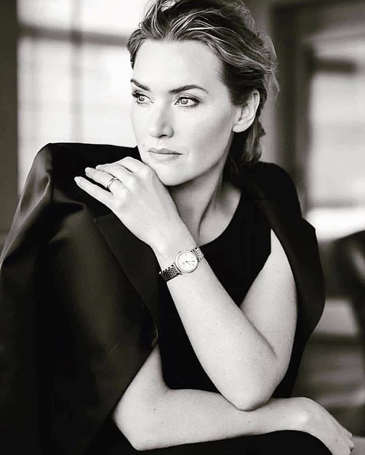 Kate Winslet On Instagram Longines Collection Collection Instagram Kate Longines Winslet V 2020 G Pozy Modelej Portret Zhenshiny Studijnye Portrety