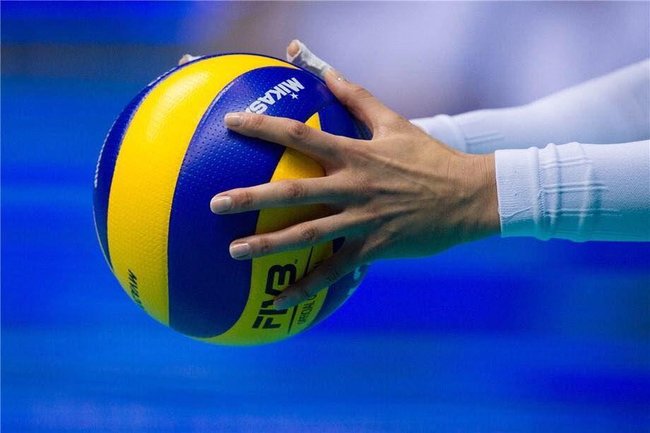 Preparando El Servicio Voley Voleibol Deportes