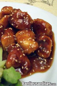 "In English: Spicy chicken pieces with honey (""General Tao"" style) Hier, je n'avais pas la moindre envie de faire à souper. Revenant en voiture à la maison,"