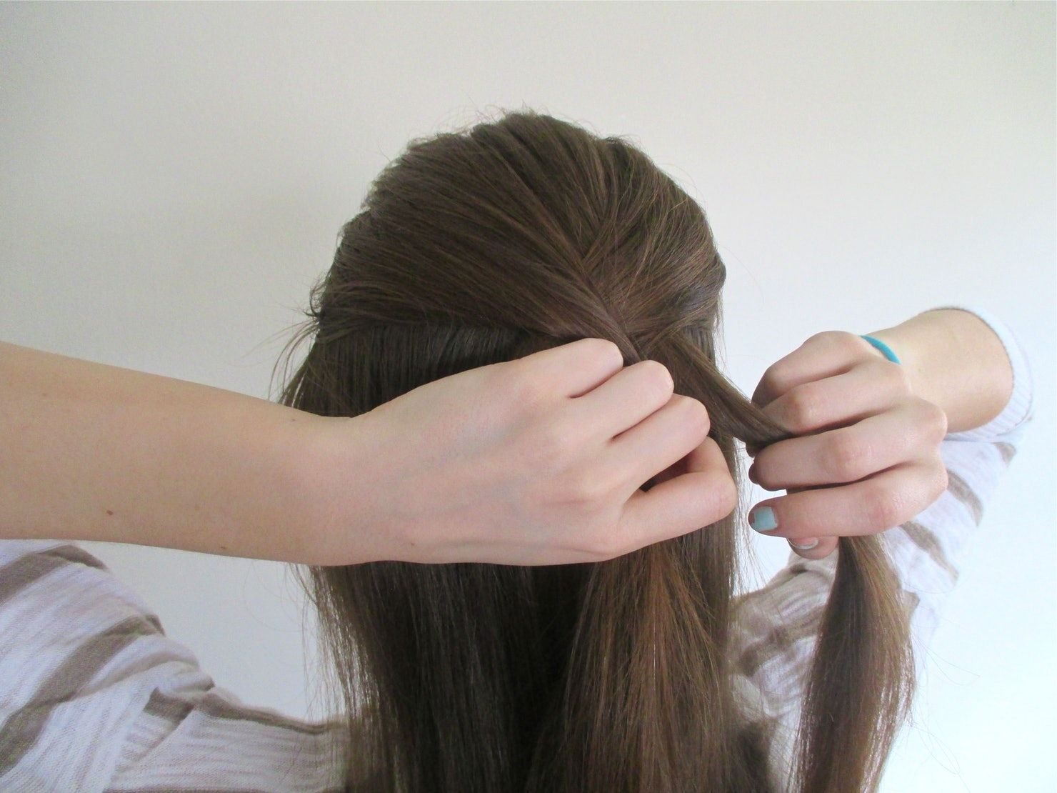 A Very, Very Easy To Follow French Braid Tutorial en 2020