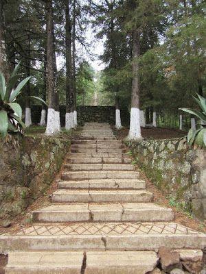 Escalinatas en el cerro del Estribo Grande en Pátzcuaro, Michoacán