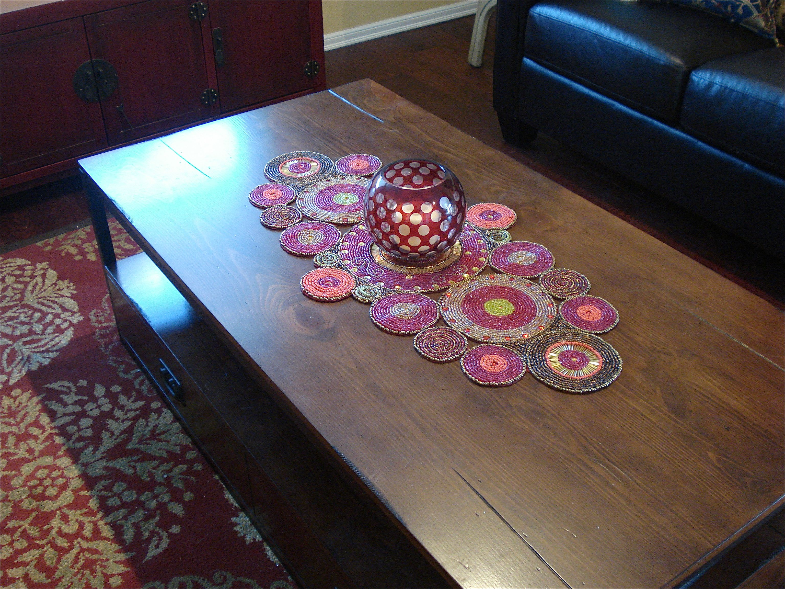 Superbe Pier 1 Beaded Circles Table Runner
