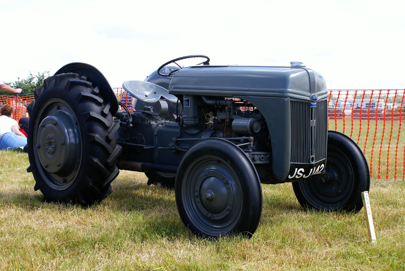 Ford n series tractor