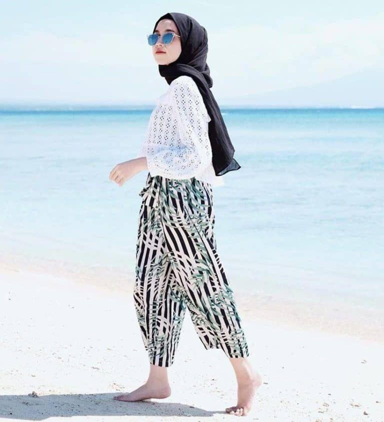 Inspirasi OOTD  Pantai Untuk Remaja  Berhijab Model