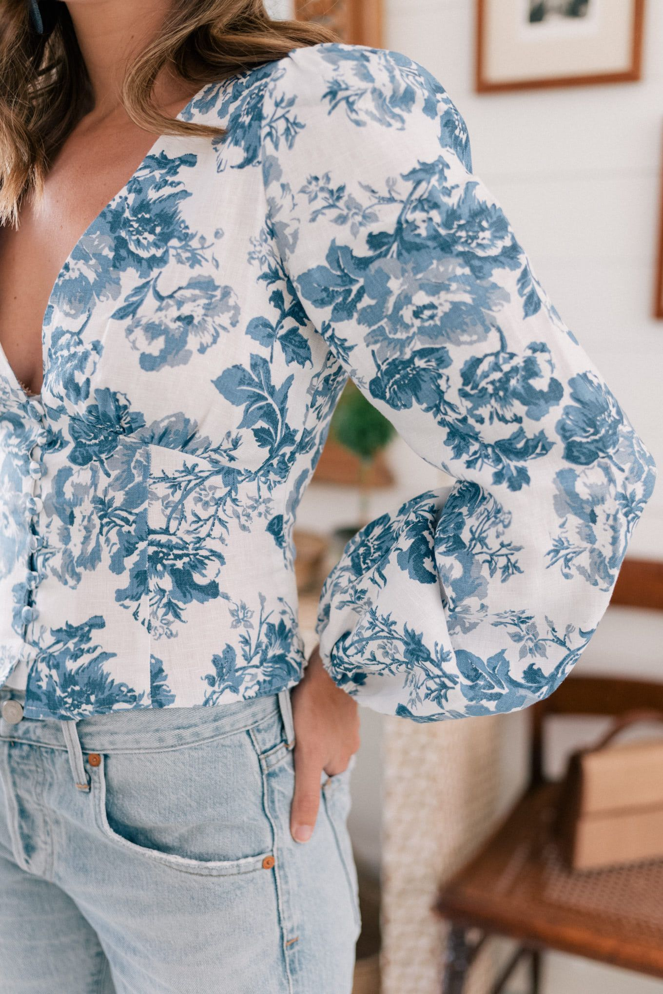 A Fitted Floral Blouse - Gal Meets Glam