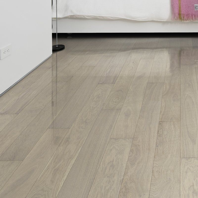 Shine Oak 5 8 Thick X 5 1 8 Wide X 36 Length Engineered Hardwood Flooring Hardwood Floors Flooring Oak Hardwood Flooring