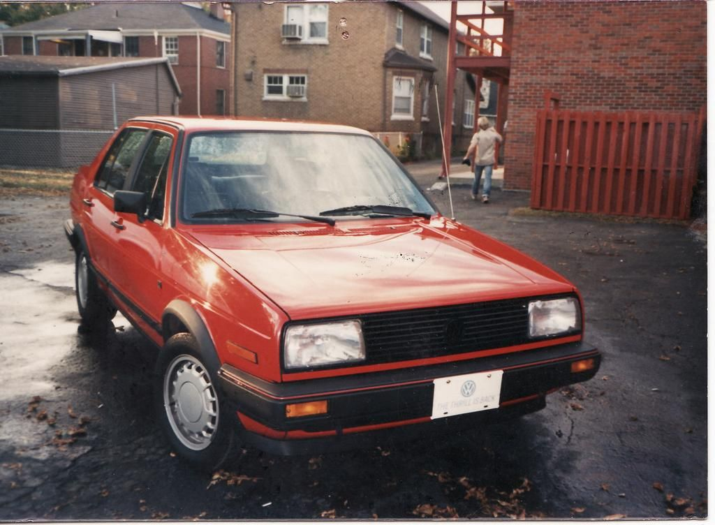 1986 Vw Jetta Gli This Photo Is Not Of My Car After Transmission Issues With The Gti I Decided I Wanted A 4 Door Sedan I Bo Jetta Gli Vw Jetta Silver Car