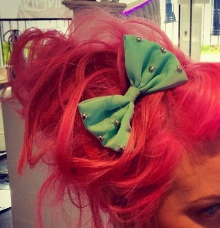 Pink hair, mint bow
