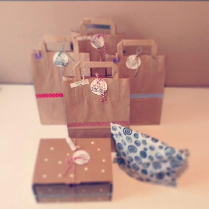 Bolsas y cajas decoradas. PACKAGING. SHOP ONLINE: WWW.MOS-TAZA.COM