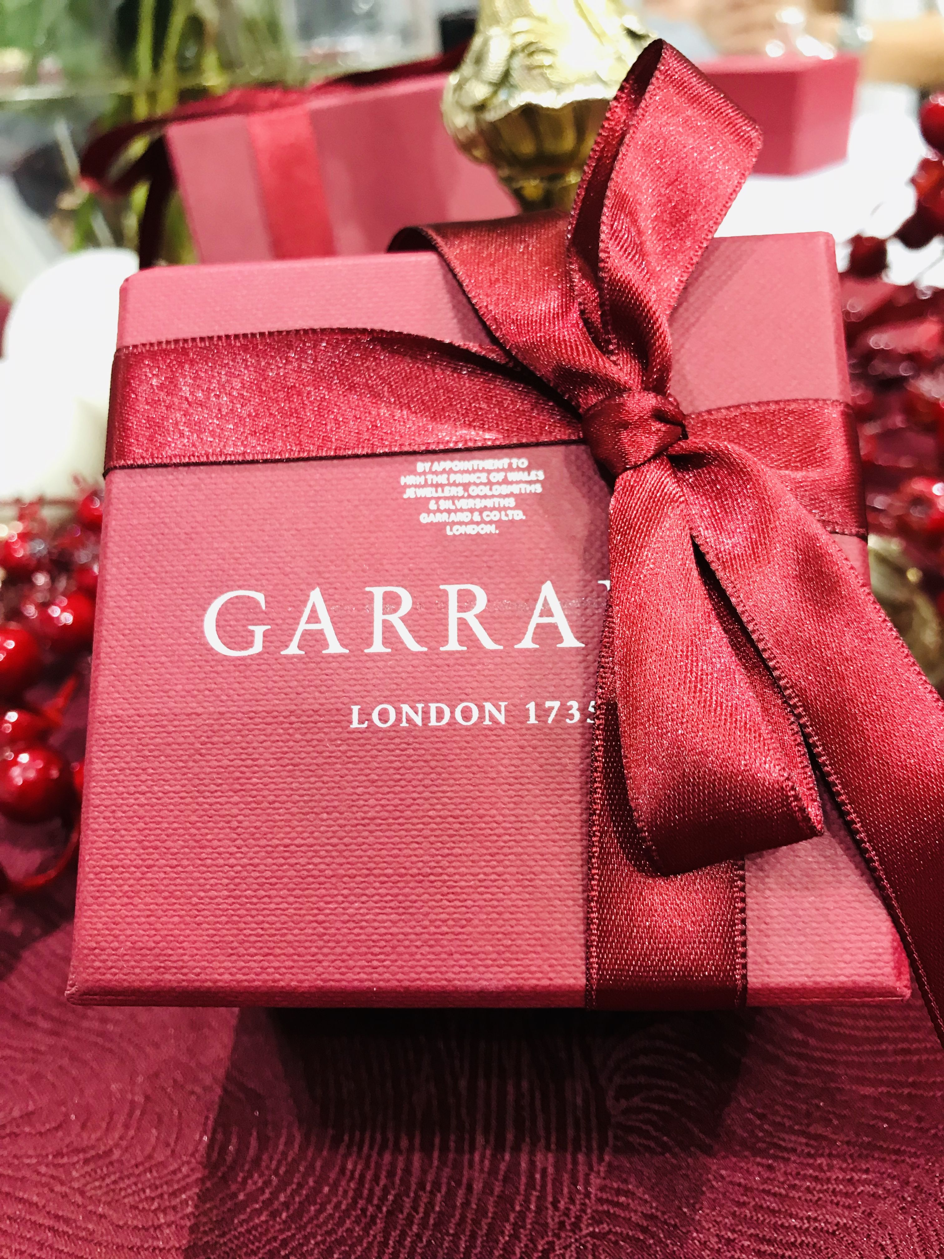 Good Things Come In Small Packages Gift Wrapping Champers Gifts