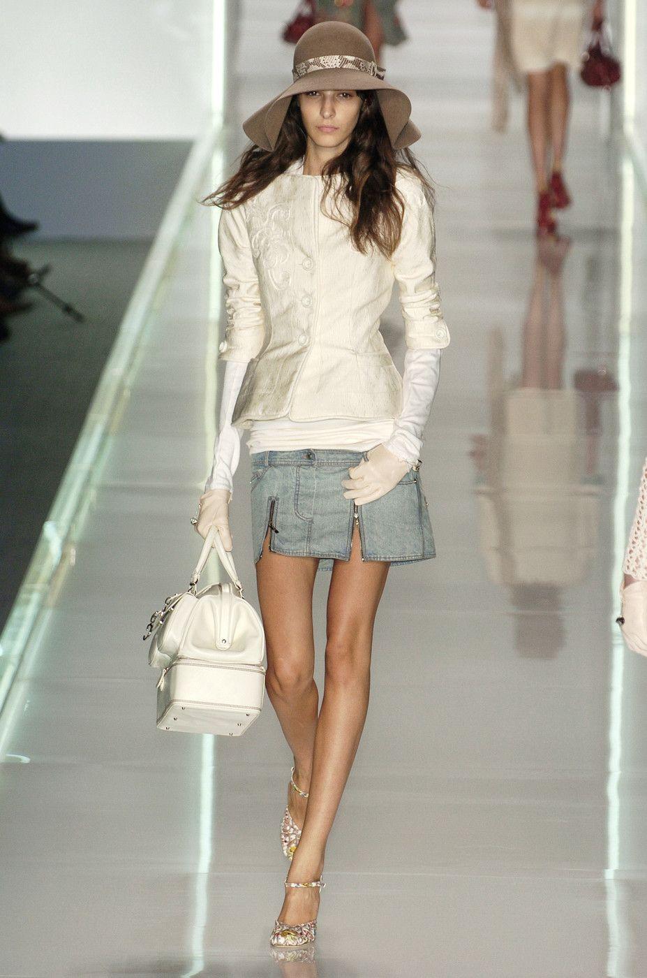 207 photos of Christian Dior at Paris Fashion Week Spring 2005.