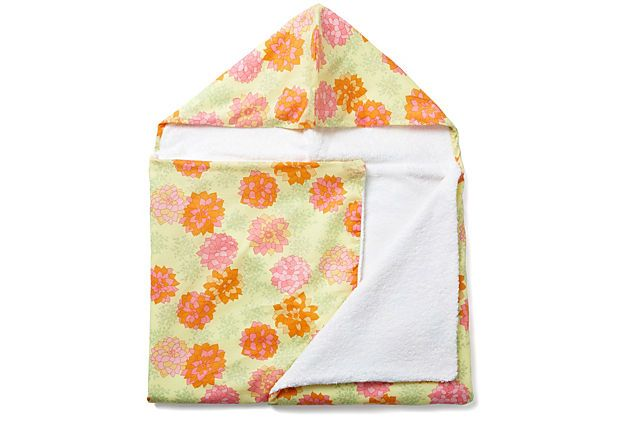 Hydrangea Float Hooded Towel
