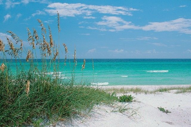 Fort walton beach florida panhandle has emerald ocean for White sand beach vacations
