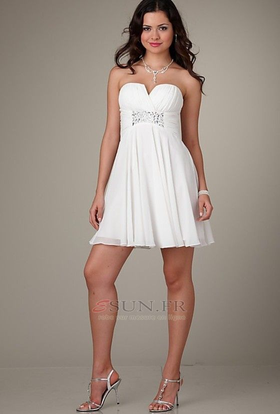 Belle robe blanche soiree