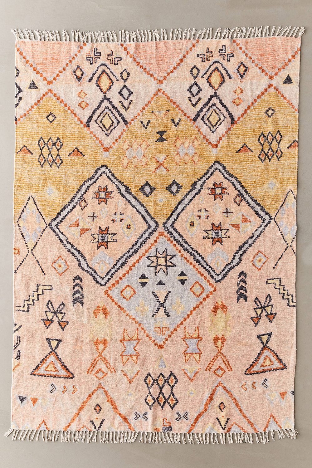 Aziza Printed Chenille Rug Chenille Rug Urban Outfitters Rug Rugs On Carpet