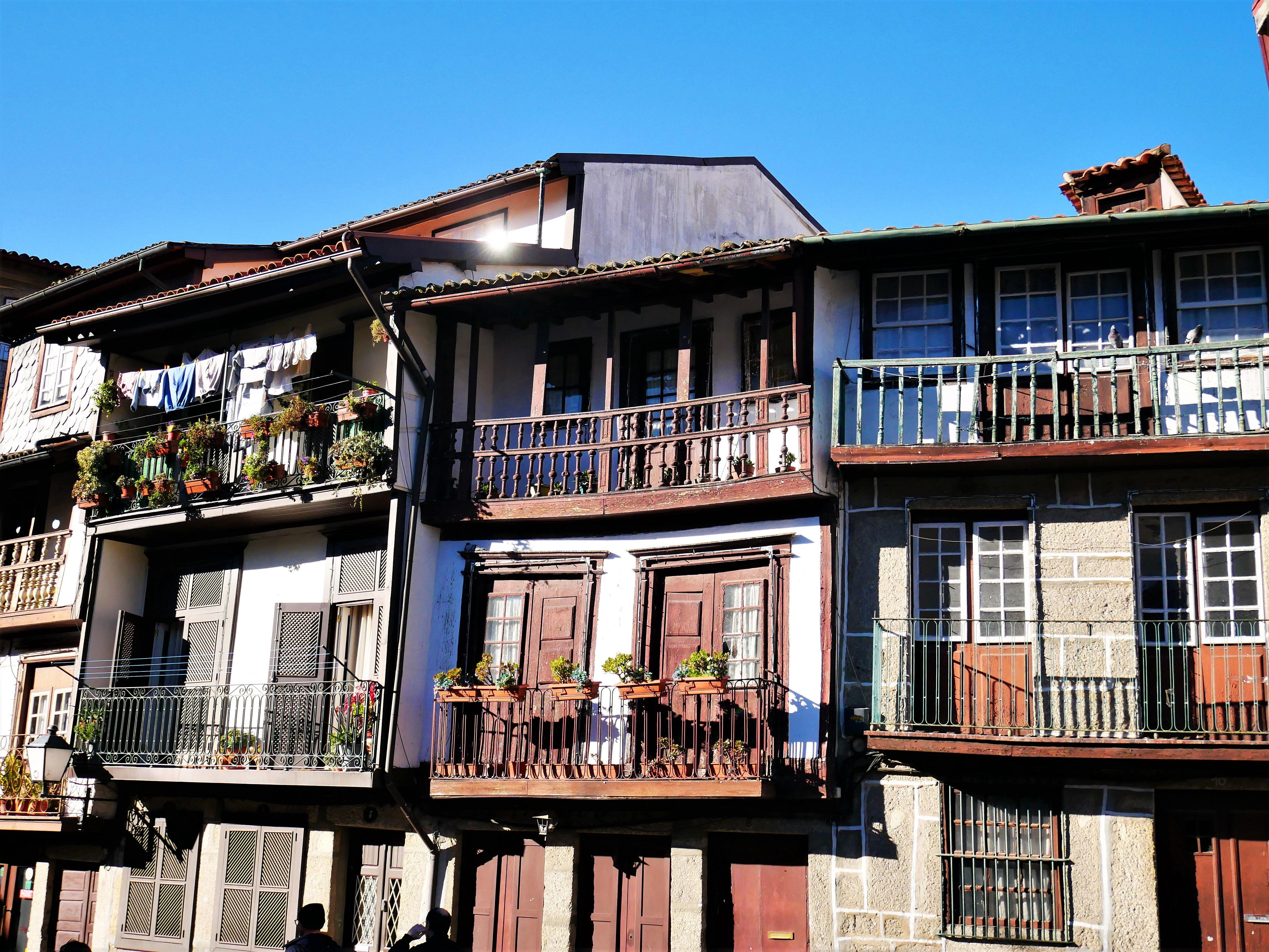 Casas de Guimaraes, Portugal en 2019 Portugal, Fachadas