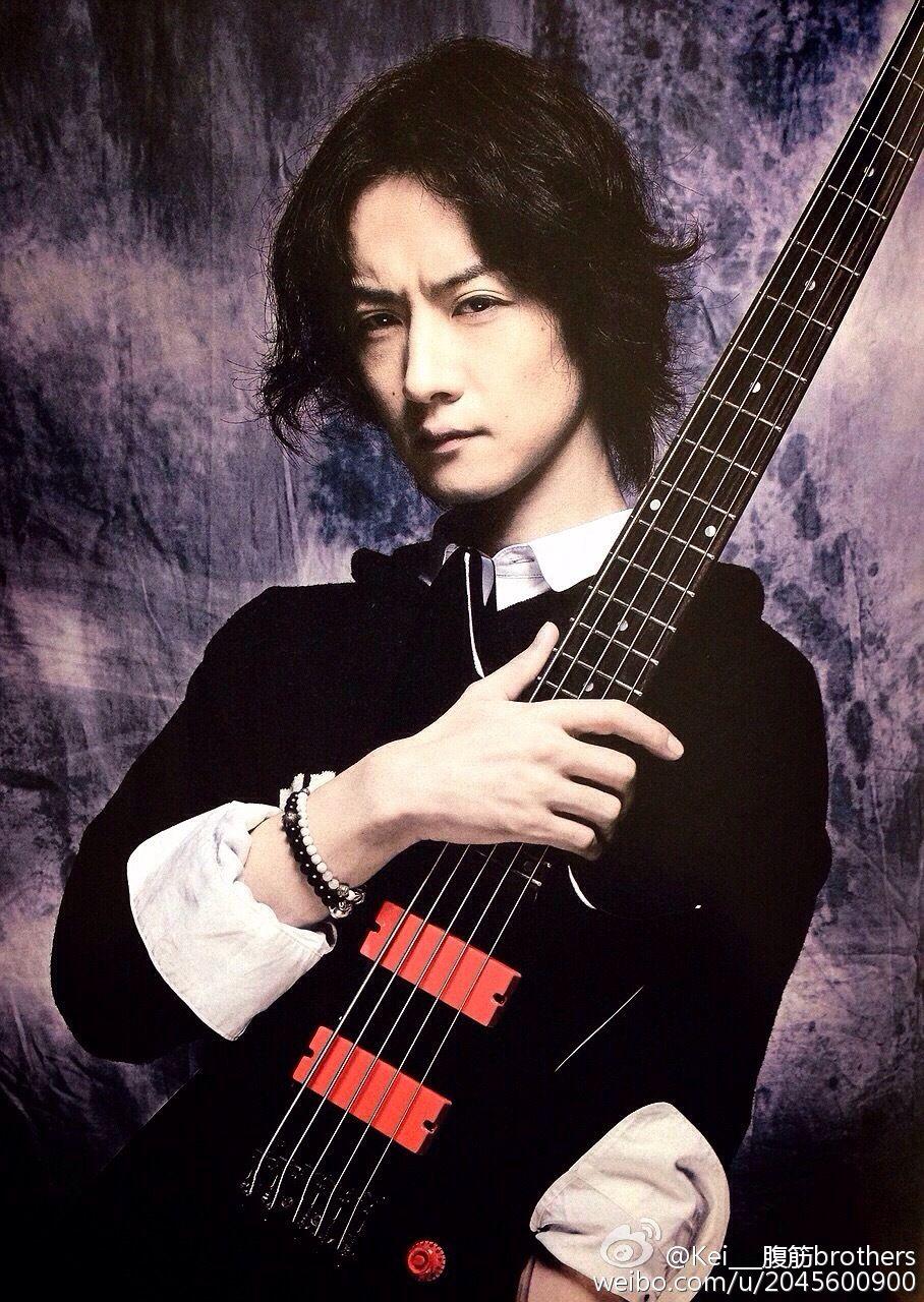 Dir en grey, Toshiya, Bass Magazine, beautiful | Dir en ...