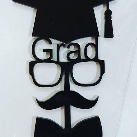 تغريسات تخرج مواليد زواجات مناسبات تعليقات تذكار تغريسات هدية هدايا تخرج خريجات نجاح تفوق خر Graduation Party Decor Graduation Gifts Graduation