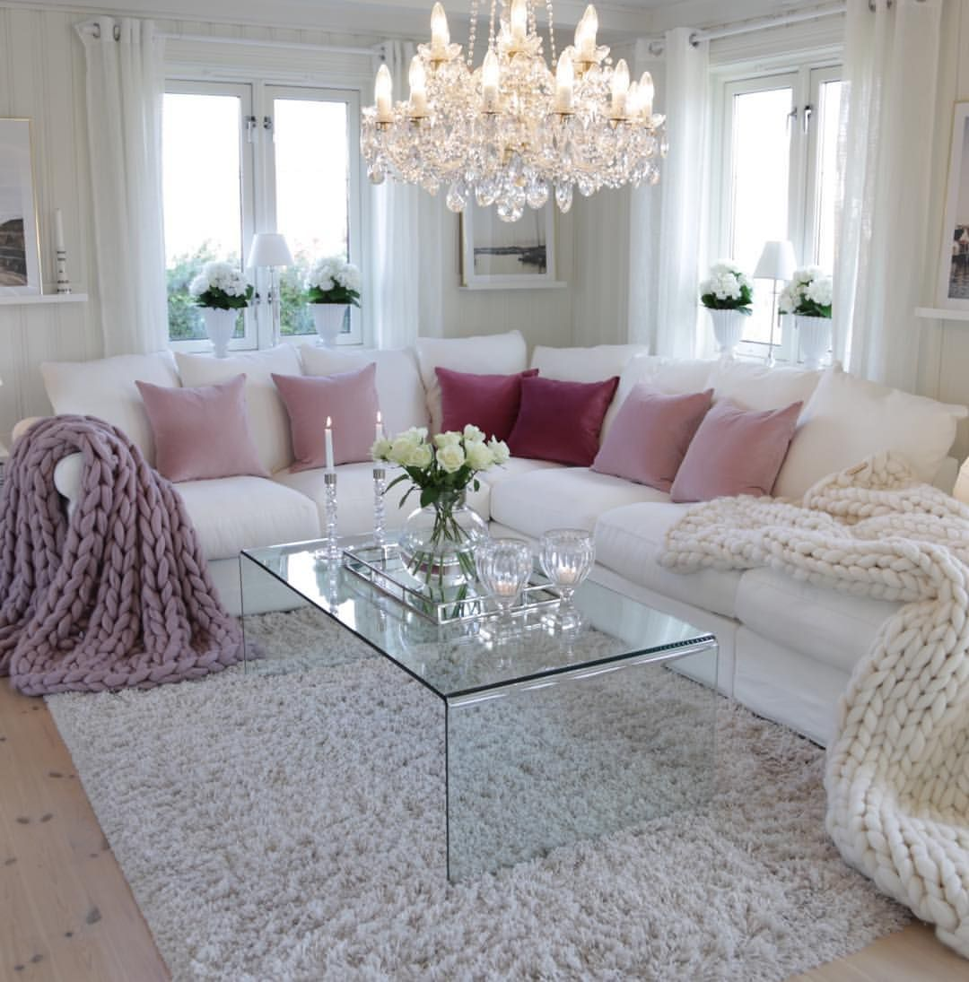Wish All Of You A Wonderful Sunday Romantic Living Room