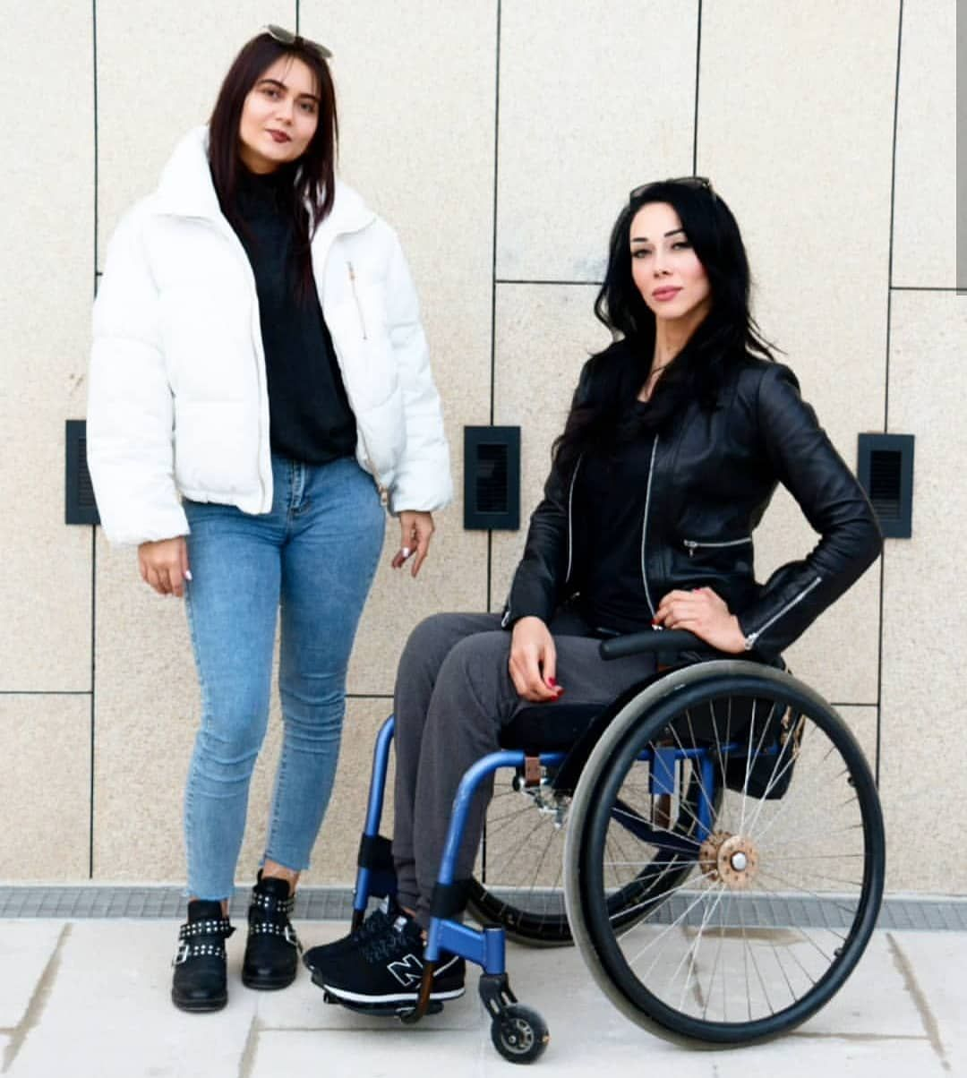 Wheelchairgirl Paralyzed Wheelchair Paraplegia