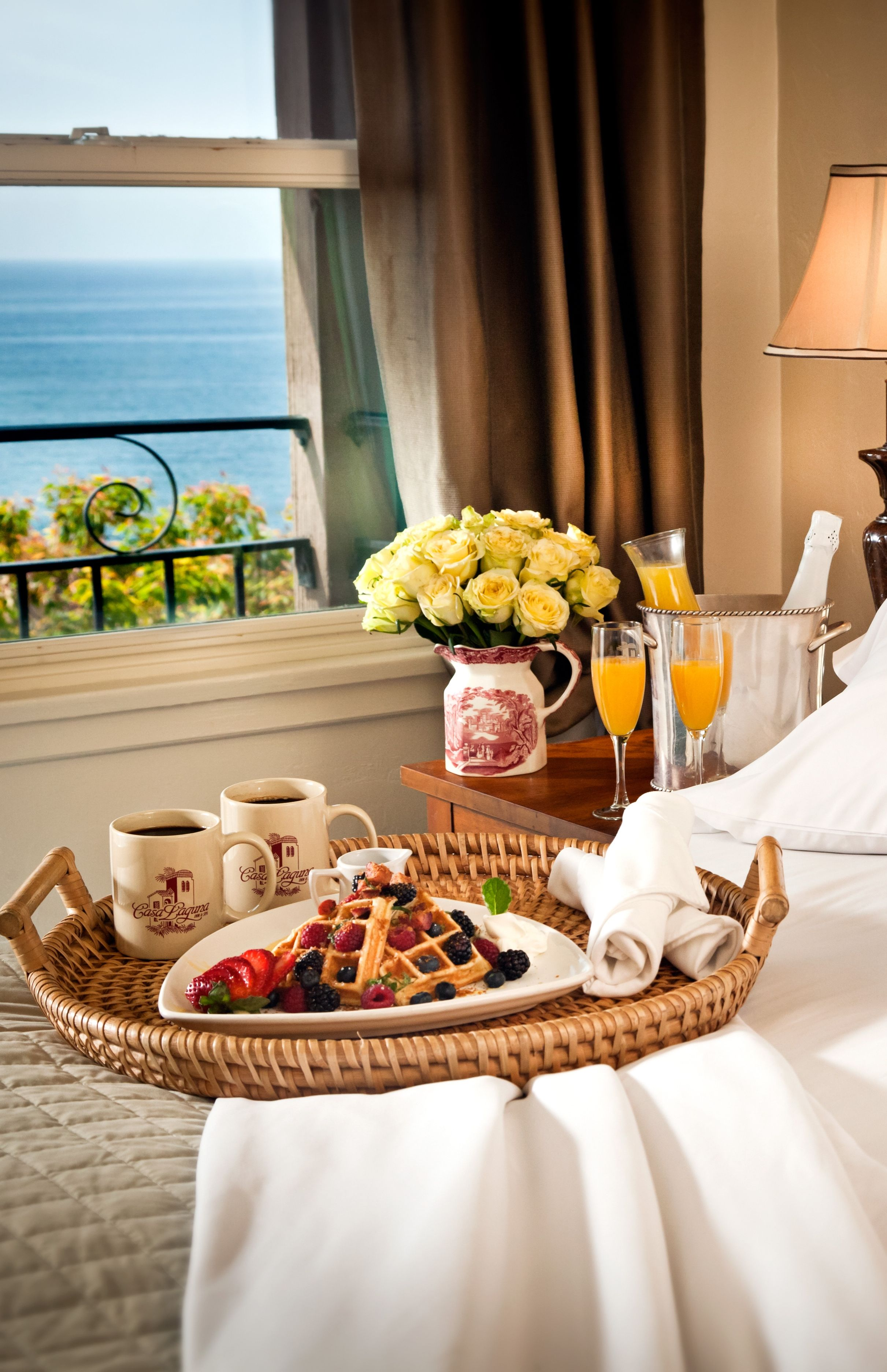 Good Morning Beautiful, Breakfast in bed, anyone? LadyLuxuryDesigns ...