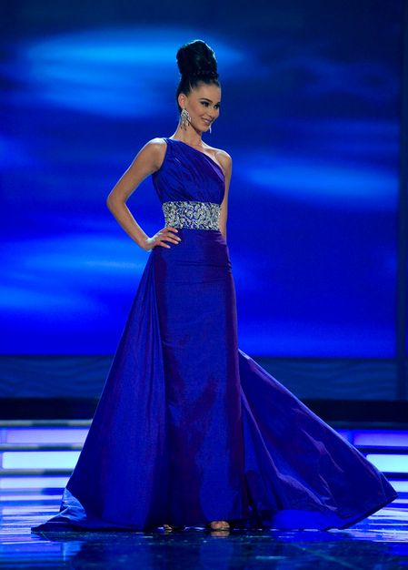 Blue Gown (gona dragusha) | ModelLady | Pinterest | Blue gown, Gowns ...