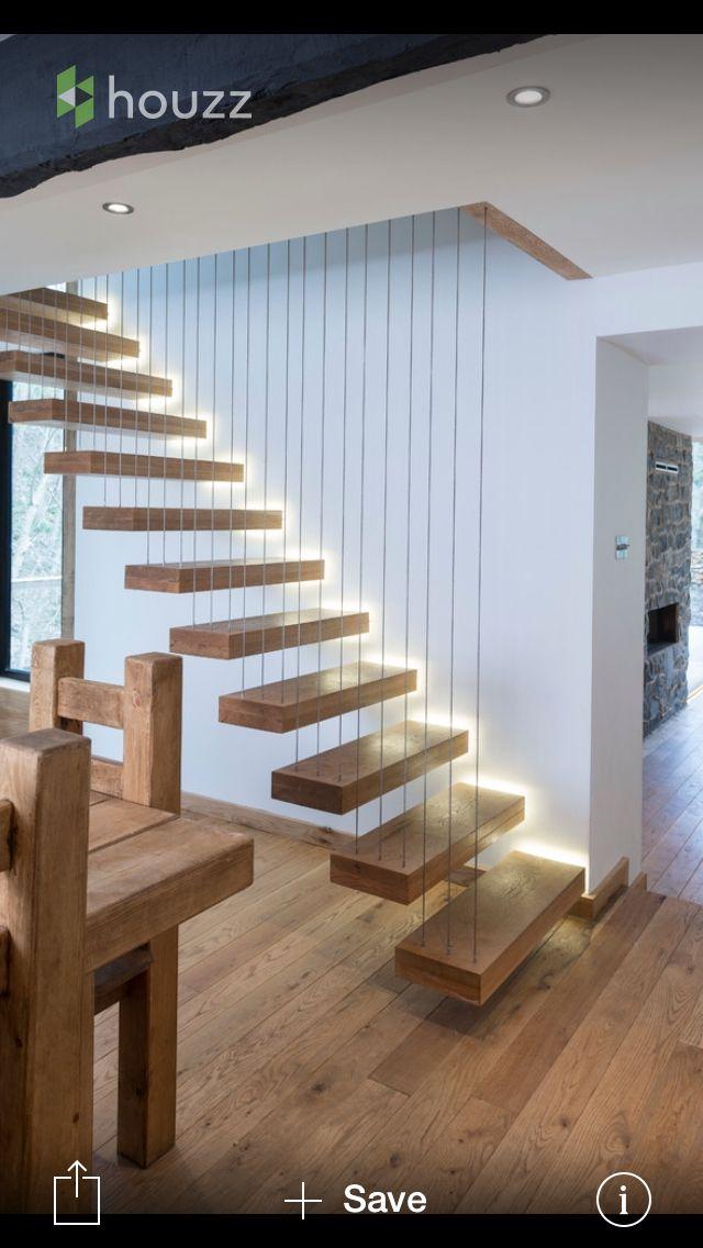 Escaleras flotantes dise o de espacios interiores for Diseno de espacios interiores
