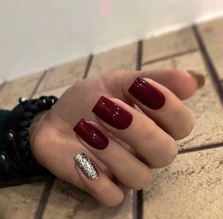 32 Holiday Nail Art Ideas To Get You Into The Christmas Spirit In 2020 Square Acrylic Nails Maroon Nails Square Nails