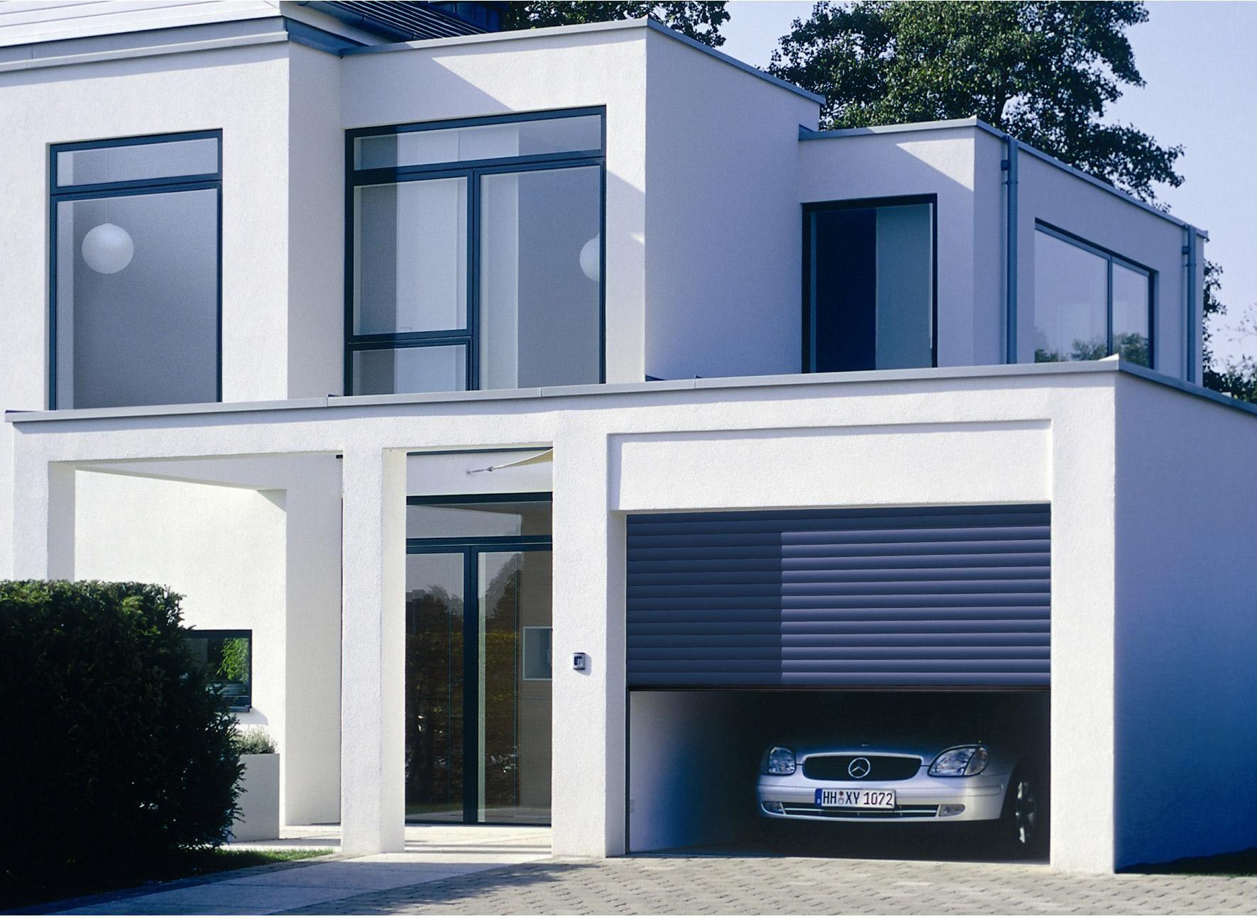Porte De Garage A Enroulement Motorisee Hormann H 200 X L 300 Cm Porte Garage Maison Et Garage
