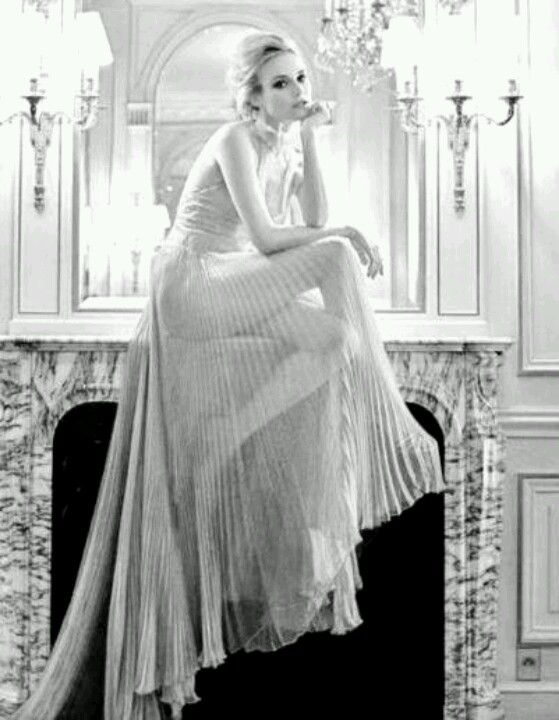 Vintage Chanel Love this sheer fabric would love to do my version of a casual maxi in this fabric so inspiring!