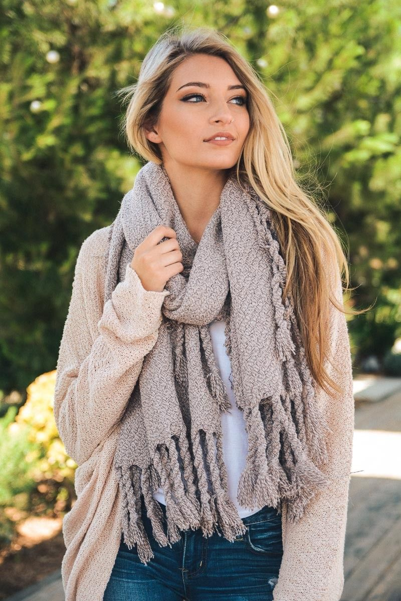 How to oversized an wear knit scarf
