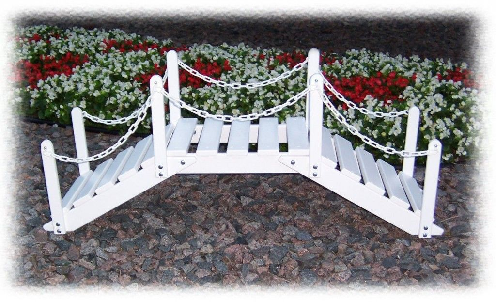 18 Small and Beautiful Fairy Tale Garden Bridges (With