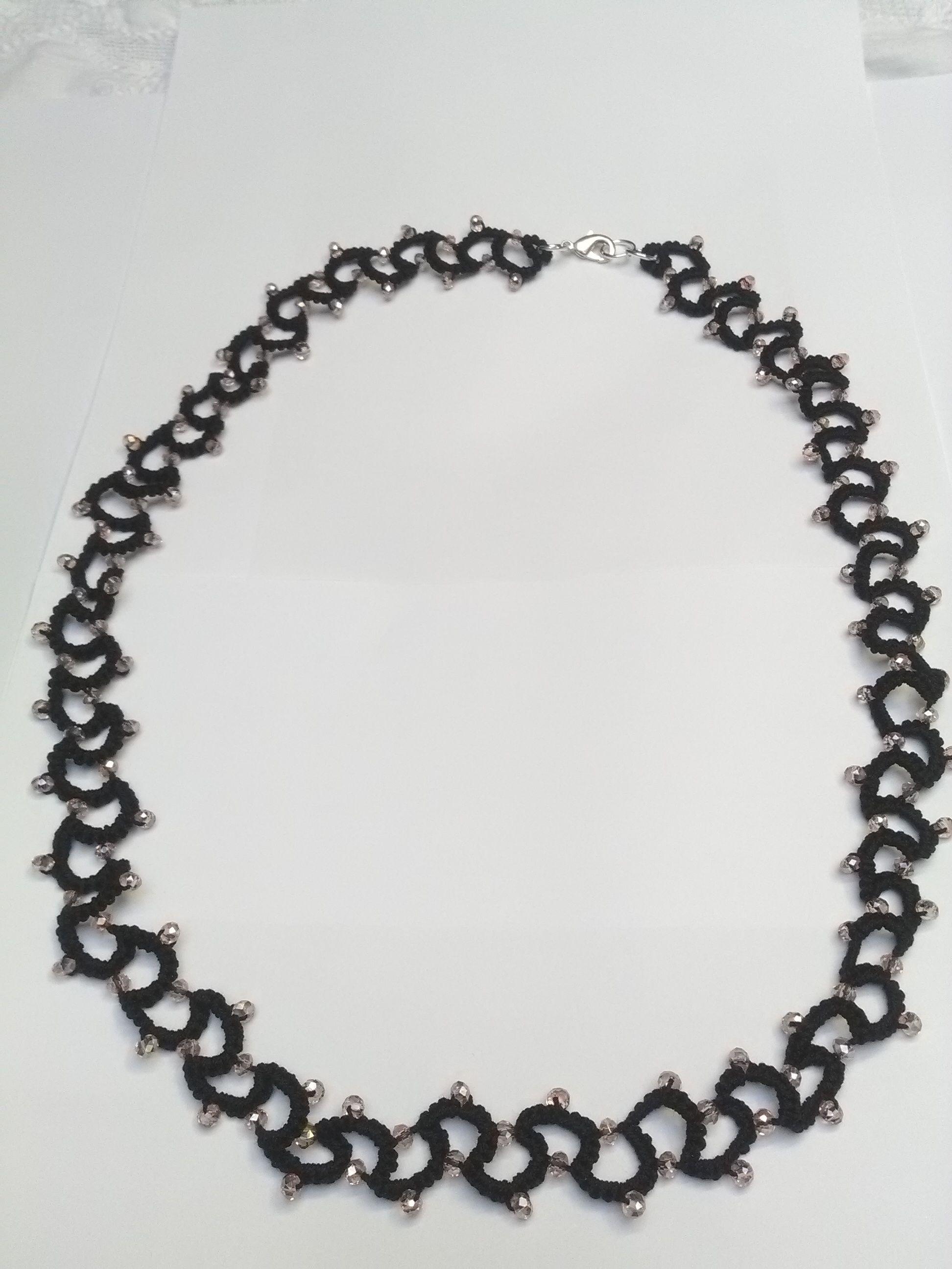 #collana #fattaamano con #chiacchierinoadago #cotonenero e #perle Penso & Creo blog