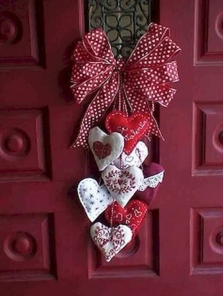 27 lovely DIY Valentine39s Day decorating ideas that will make your home cute and romanti 27 lovely DIY Valentines Day decorating ideas that will make your home cute and...