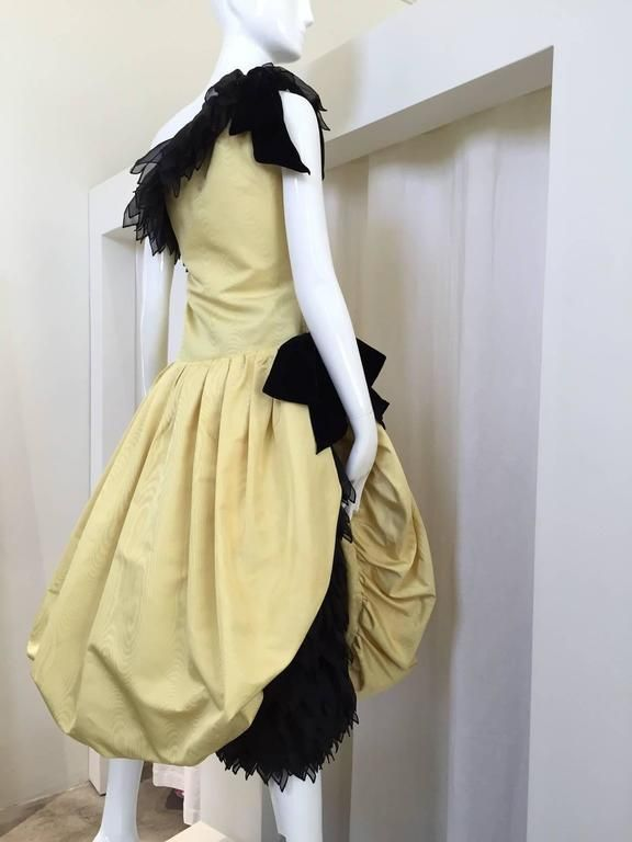 Dramatic Christian Dior couture by Marc Bohan yellow and black dress 4