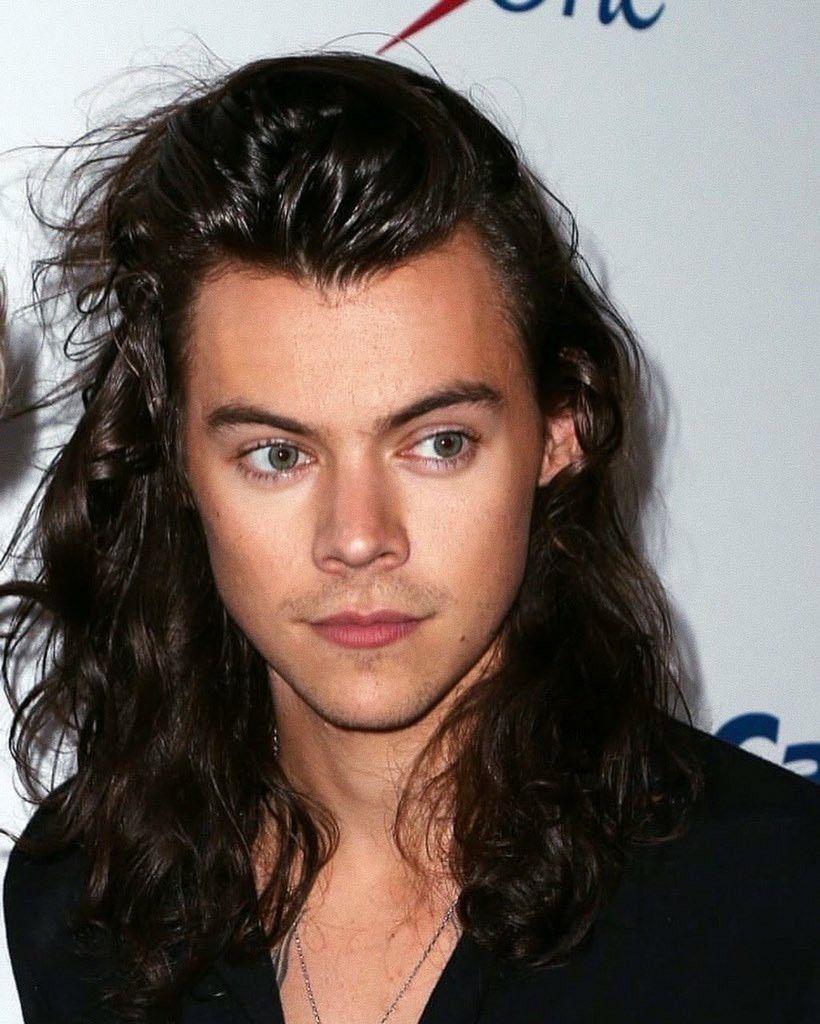 Harry Styles In 2020 Long Hair Styles Harry Styles Long Hair Harry Styles Hair