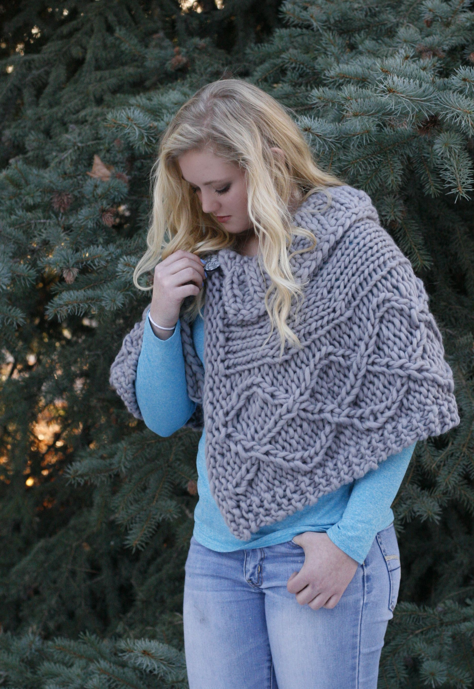 morgaines-capelet-5   Looming   Pinterest   Capelet, Loom knitting ...