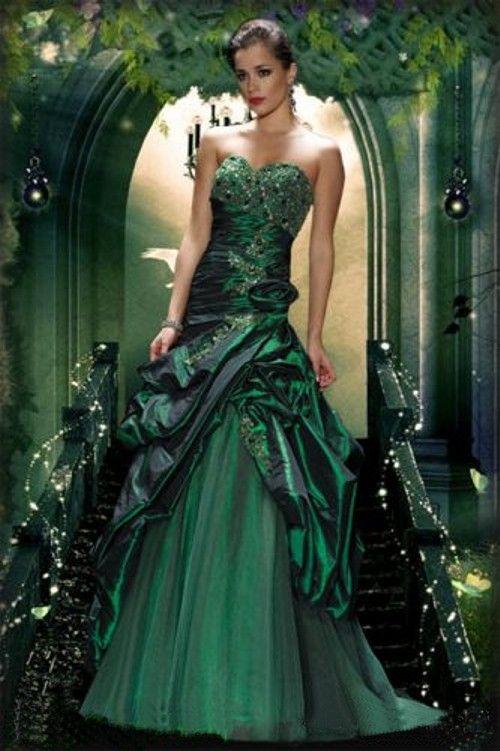 Green wedding dresses beautiful and glamorous green for Big beautiful wedding dresses