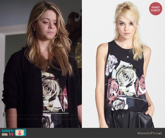 Ali's 'Dream' rose graphic top on Pretty Little Liars.  Outfit Details: http://wornontv.net/43116/ #PLL
