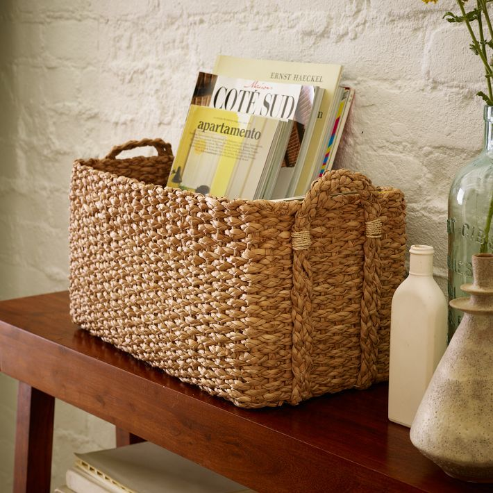 Basket on a sofa or entryway table with magazines or newspaper decorative and functional - Petit panier de basket pour chambre ...