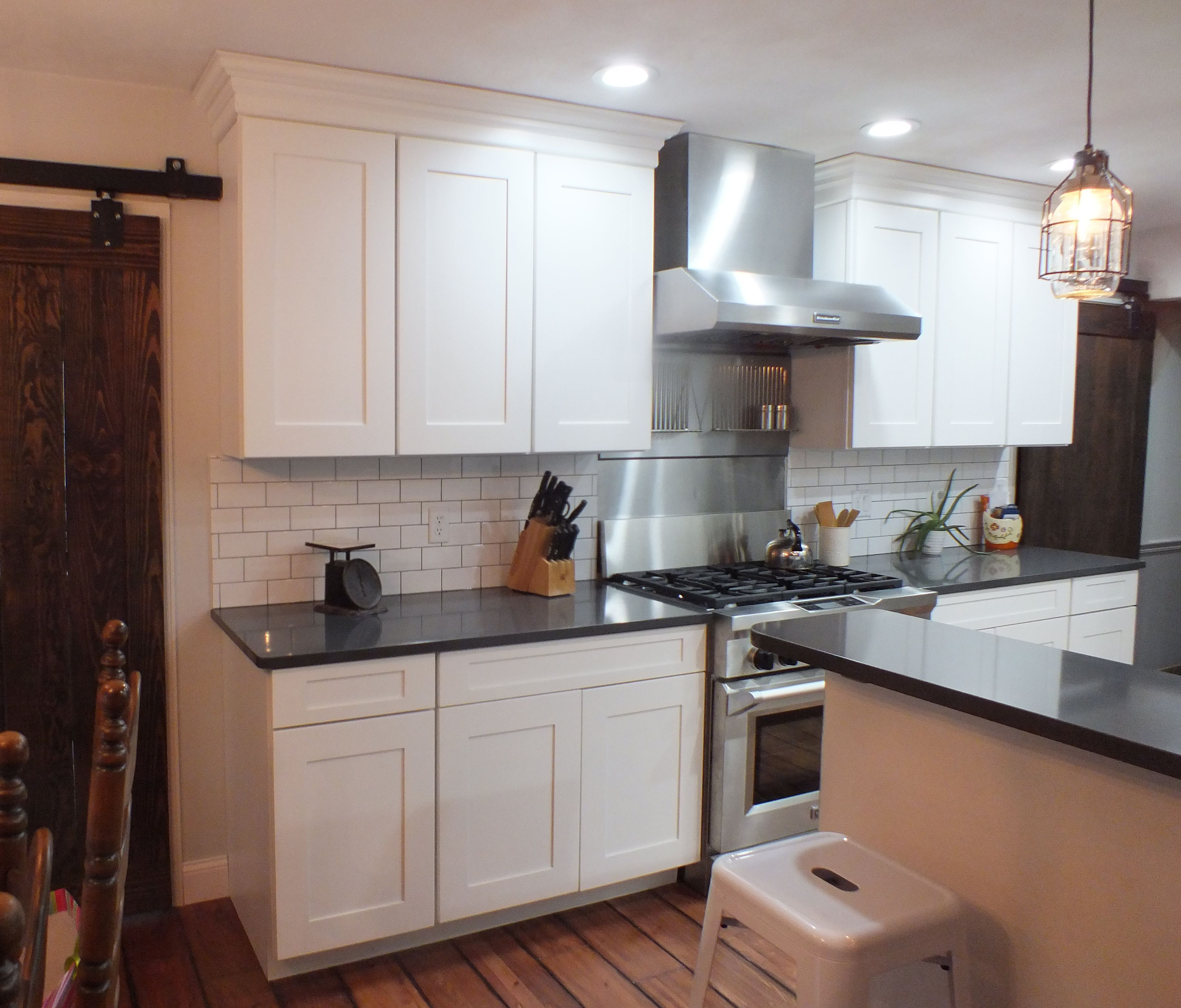 Mid continent cabinetry jacobsen white maple with a 5 - Mid continent cabinets ...